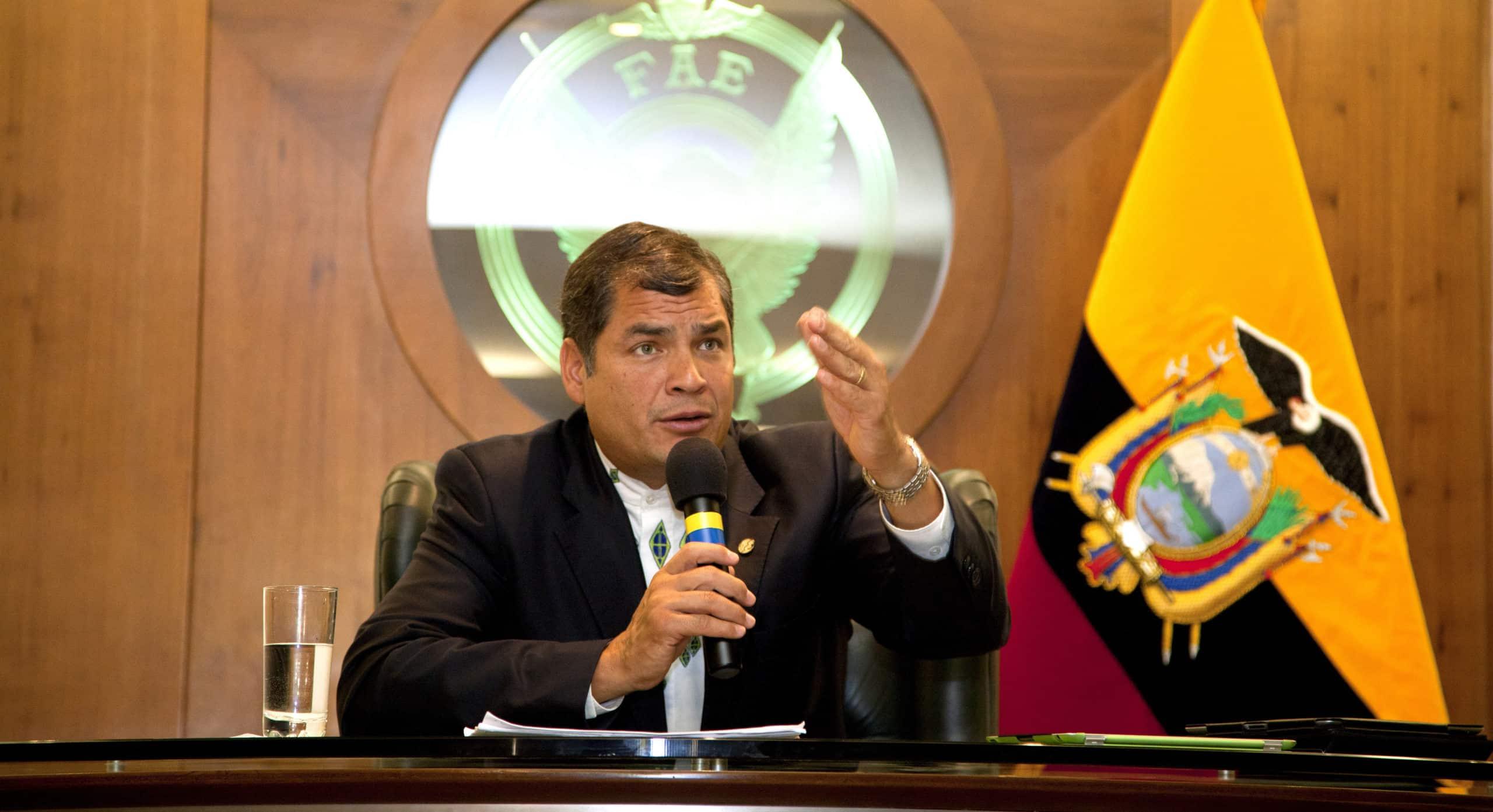 Je dénonce la tentative de coup d'État en Équateur