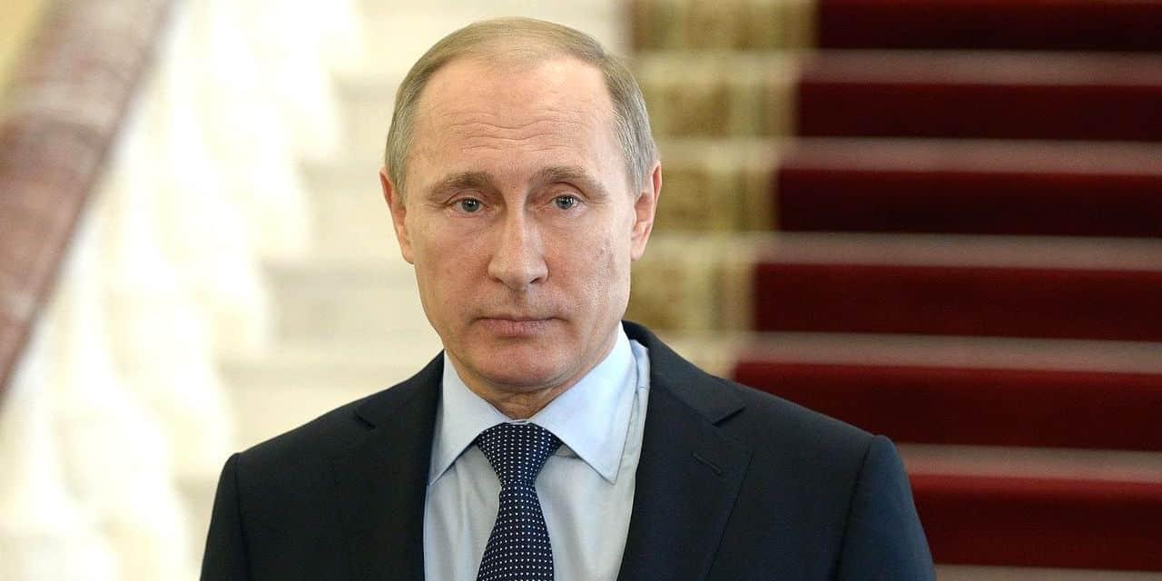 <i>Le Monde</i> félicite Poutine et soutient la Russie