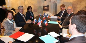 Michel Sapin avec son homologue du Panama le 18 février 2015 - Capture d'écran sur le site de l'ambassade du Panama en France