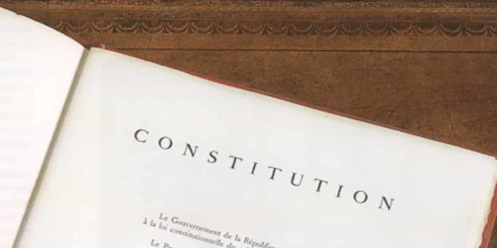 Le droit à l'avortement dans la Constitution