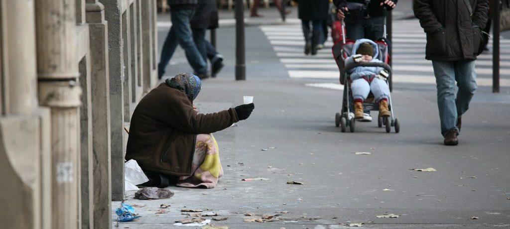 Pauvreté, mouvement, auto organisation
