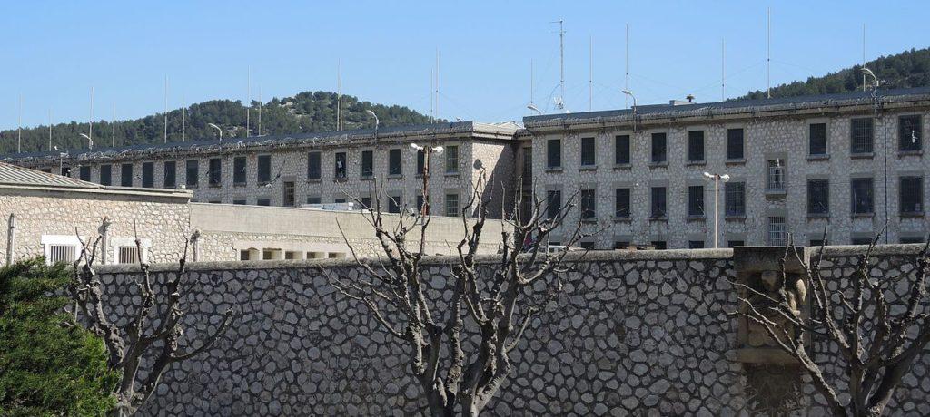 Prisons : un plan d'urgence est nécessaire !
