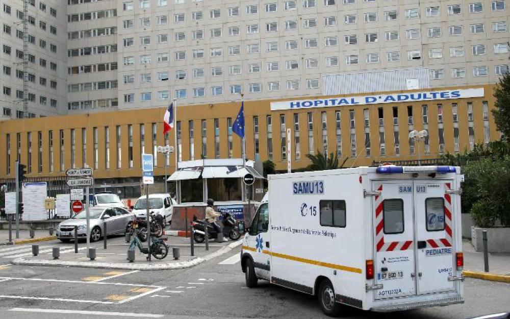 L'hôpital public de mal en pis. Le privé plastronne.