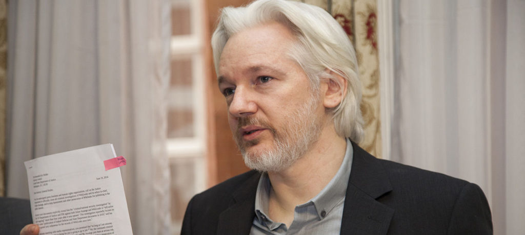 La France doit accorder l'asile à Julian Assange
