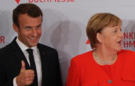 Macron roulé dans la farine de Merkel