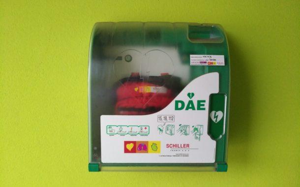 Question écrite : réglementation des défibrillateurs