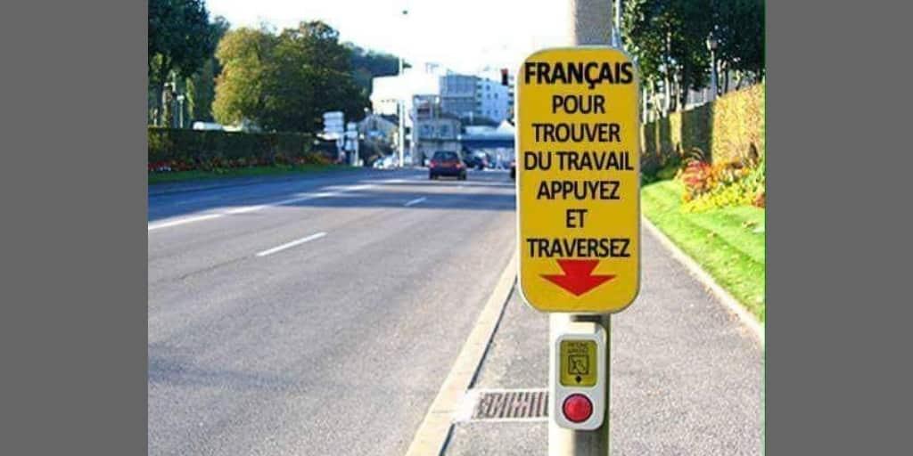 Traverser la rue pour trouver un emploi : le mensonge de Macron