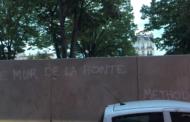 À La Plaine, le mur de la honte