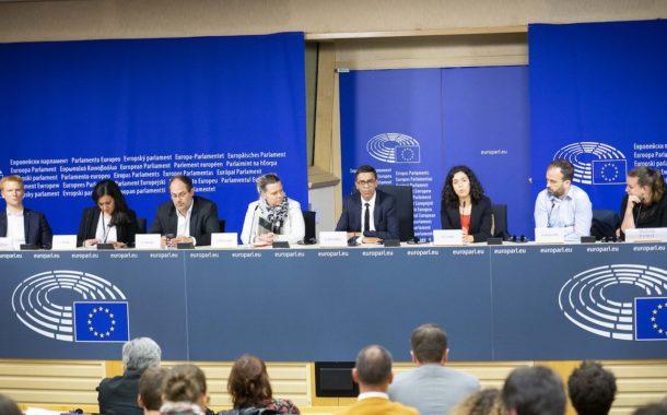 VIDÉO - Première réunion de l'intergroupe des parlementaires insoumis