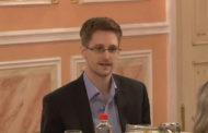 Emmanuel Macron : accordez l'asile politique à Edward Snowden