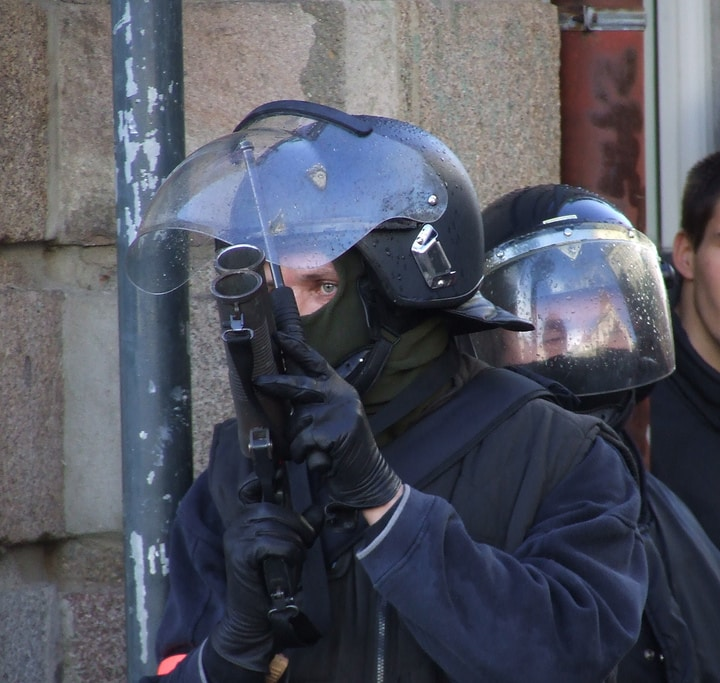 Question écrite : pour la liberté des observateurs des violences policières