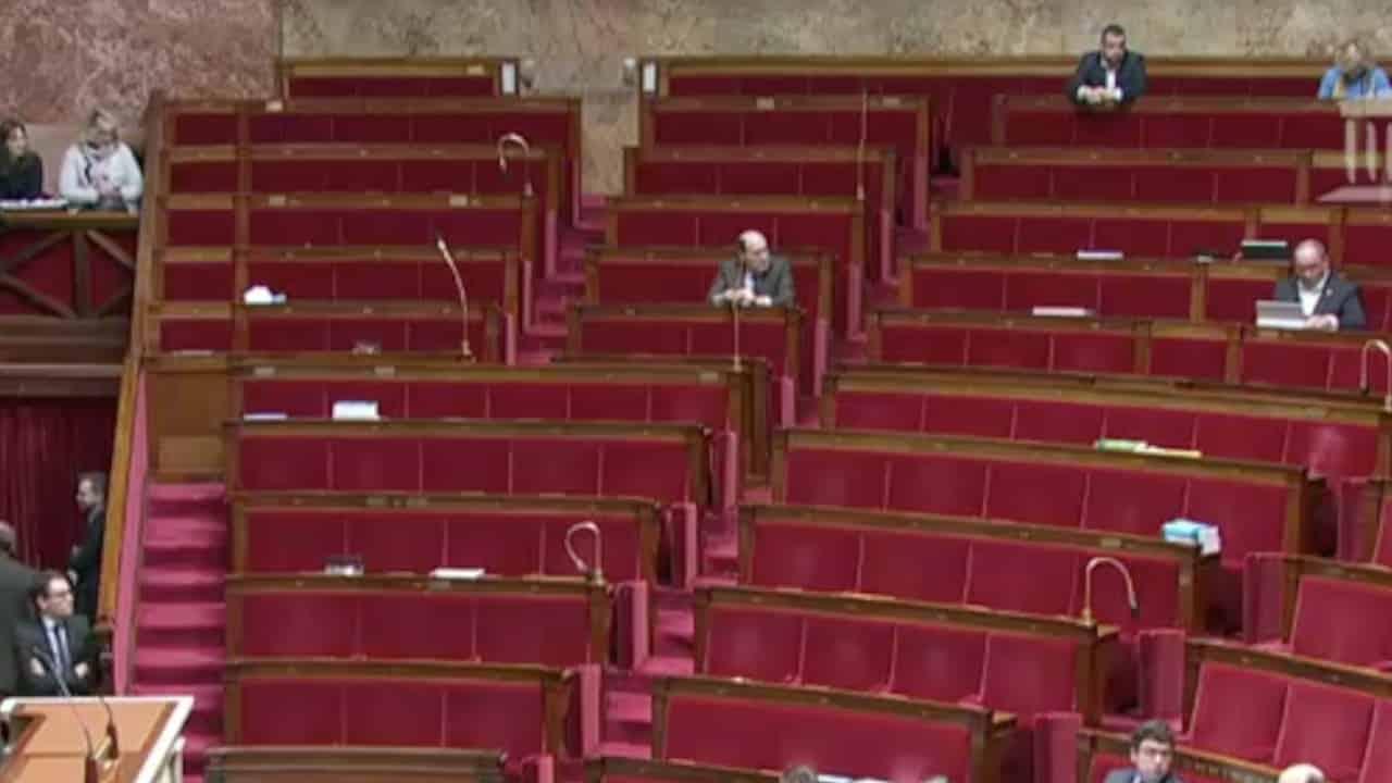 Retraite : seulement 98 voix pour adopter la réforme