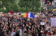 Interdiction illégale, salut nazi, gazage intempestif : la foule anti-raciste a résisté à toutes les provocations de la macronie